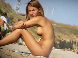 masturbation a la plage salope prete a tout